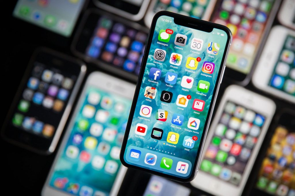 Apple Appears to Deal with LG for OLED Displays to be Used in iPhones