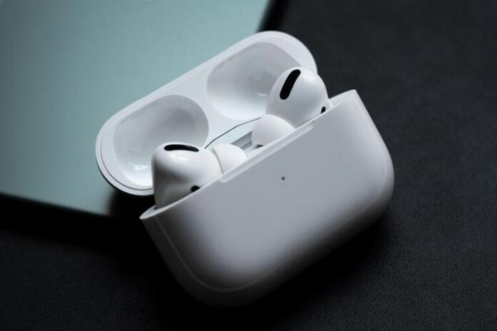 Apple AirPods 3 release date becomes clear