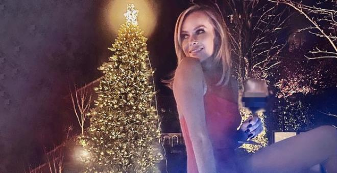 Amanda Holden says goodbye to 2020 with a note on her underwear