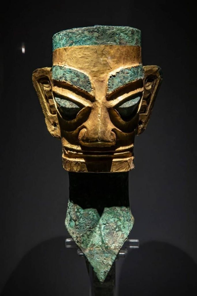 3000 year old gold mask found 3