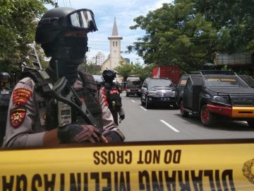 Bomb attack on Sunday mass in Indonesia