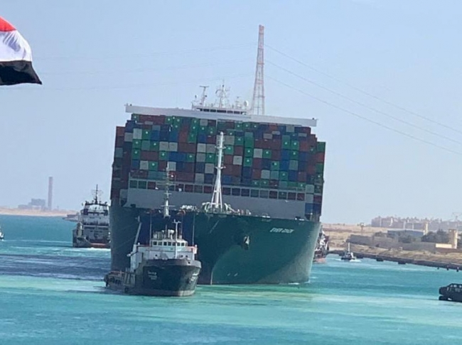 Ship stranded in Suez Canal rescued 1