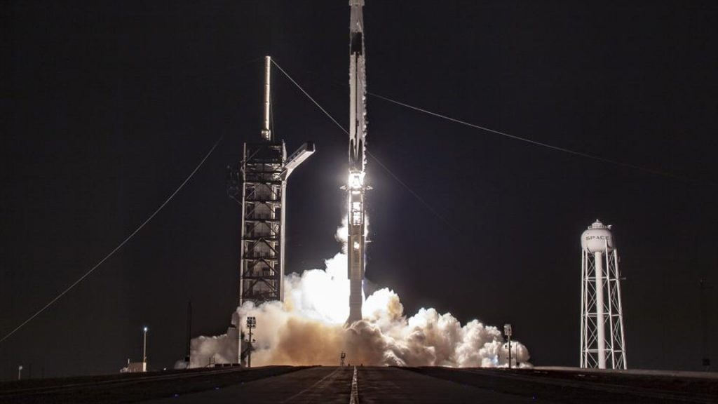 SpaceX sends 60 more Starlink satellites into orbit