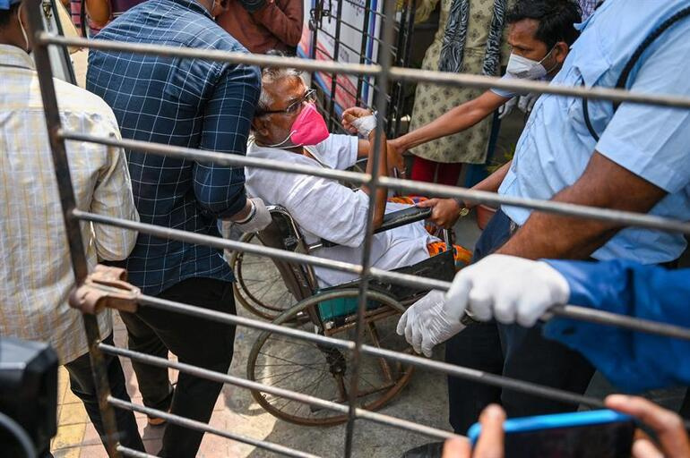 13 Covid 19 patients died in hospital fire in India 1
