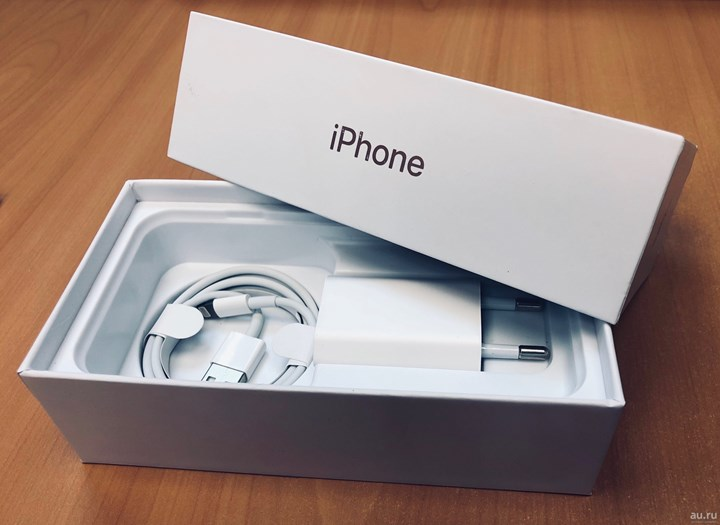 Apple removes charger from iPhone boxes saves 1 million tons of metal 1