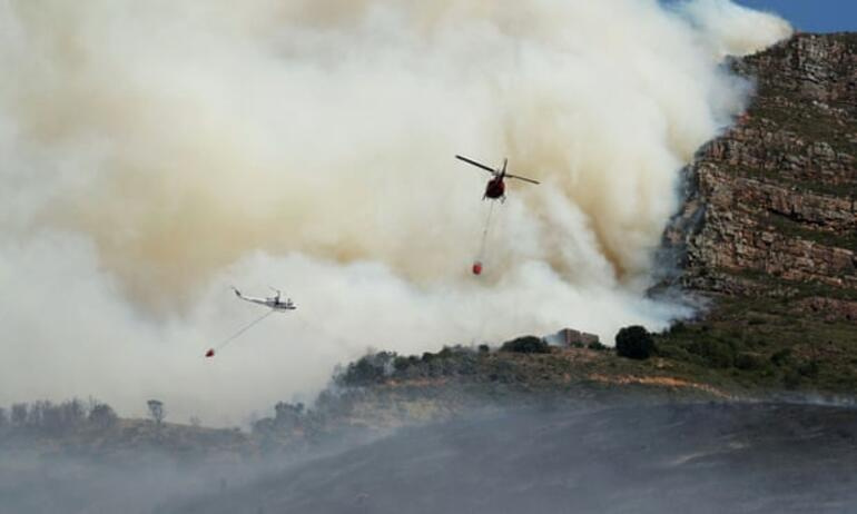 Cape Town fire 4000 students evacuated 1