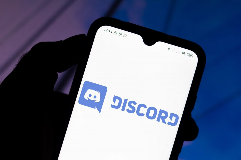 Discord blocks all iOS users