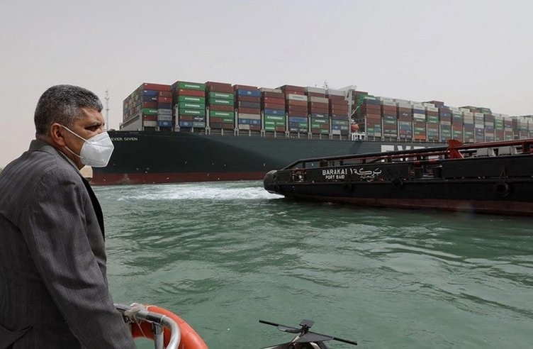 He was stranded in the Suez Canal A record compensation claim for the Japanese firm 1