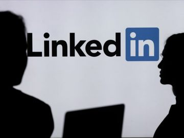 Wear out permission for employees from LinkedIn
