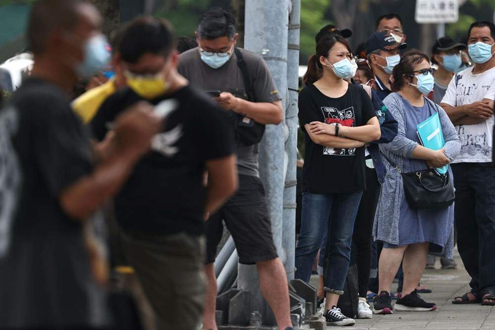 Asian countries face corona crisis Vaccines run out hospitals full 3