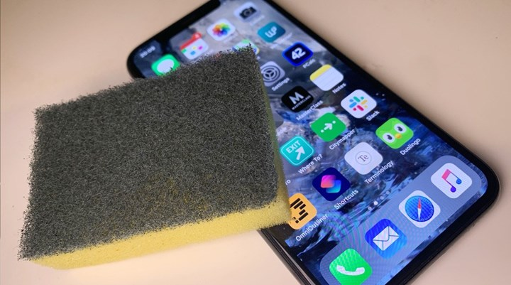Apple warns Dont use substances containing hydrogen peroxide when cleaning your products